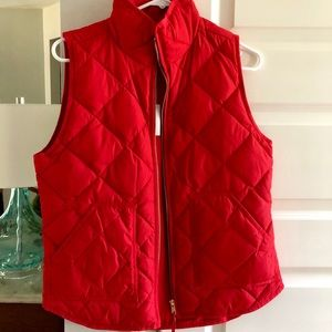 NWT j crew excursion puffer vest. Size small.